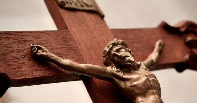 CrucificadoCanciones_DominioPublico_Pixabay_010415