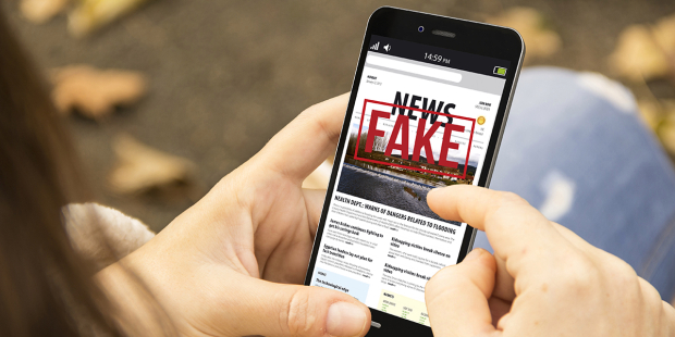 WEB3-FAKE-NEWS-SIGN-SOCIAL-MEDIA-WARNING-shutterstock_638642296-Georgejmclittle-AI