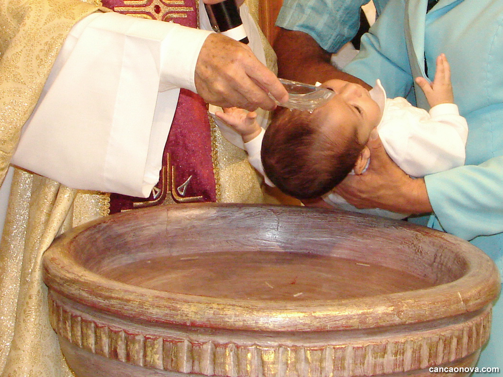 formacao_conheca-os-sete-sacramentos-e-suas-particularidades-1600x1200