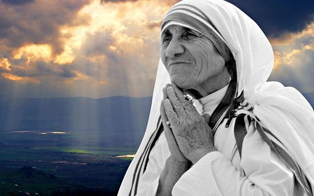 montagem-com-imagen-da-Madre-Teresa-de-Calcutá