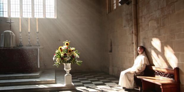 web-sacrament-friar-adoration-church-light-fr-lawrence-lew-o-p-cc