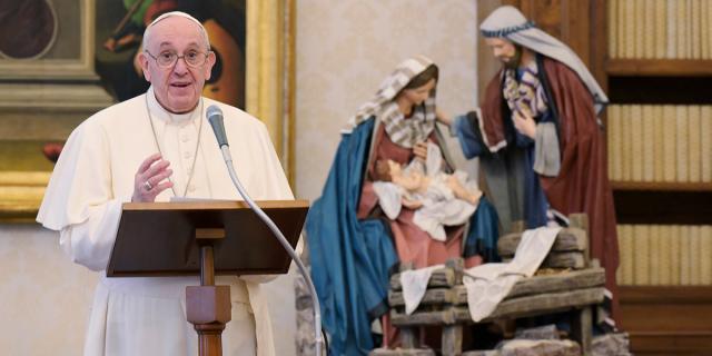 web3-pope-francis-manger-nativity-afp-000_8Y22K6