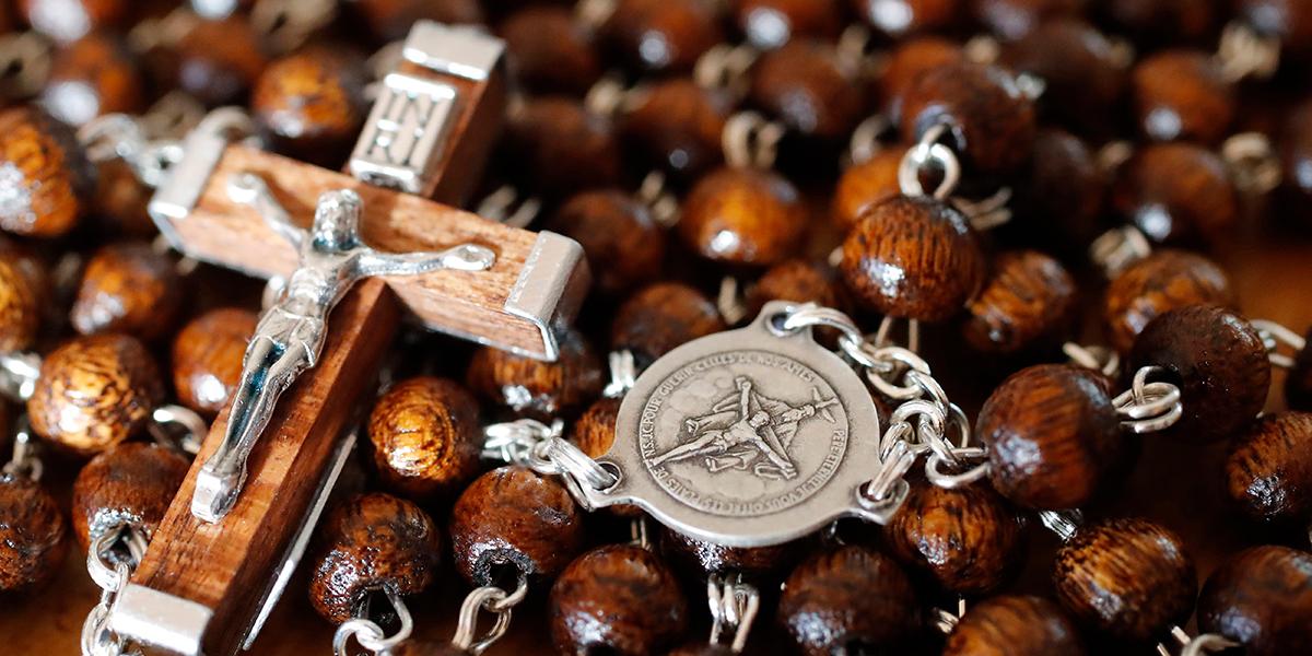 web3-rosary-pray-prayer-cross-jesus-godong-fr631030a